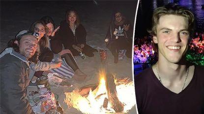 Foto's van strandfeestje geven familie van Théo Hayez hoop: weten deze toeristen meer?