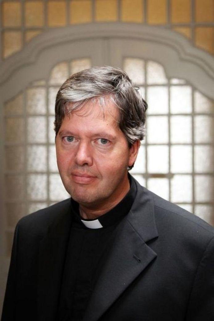 Hulpbisschop in Den Bosch Rob Mutsaers (63).