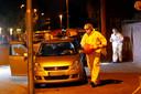 Onderzoek op de locatie waar Fouad Rashidi in zijn auto werd doodgeschoten.