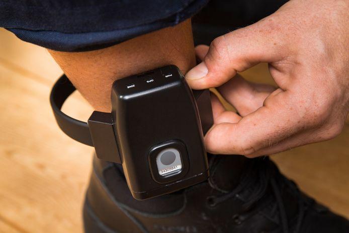 Een enkelband met GPS.