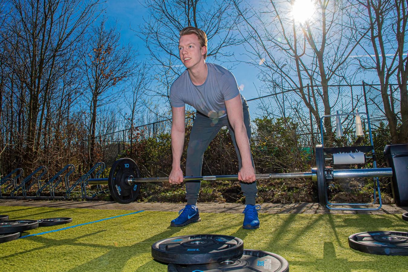 In februari voerde Fitness 365 in Hooglanderveen nog actie om te pleiten voor versoepelingen. De halters en buikspierbankjes werden naar buiten gehaald om op 1,5 meter te trainen.