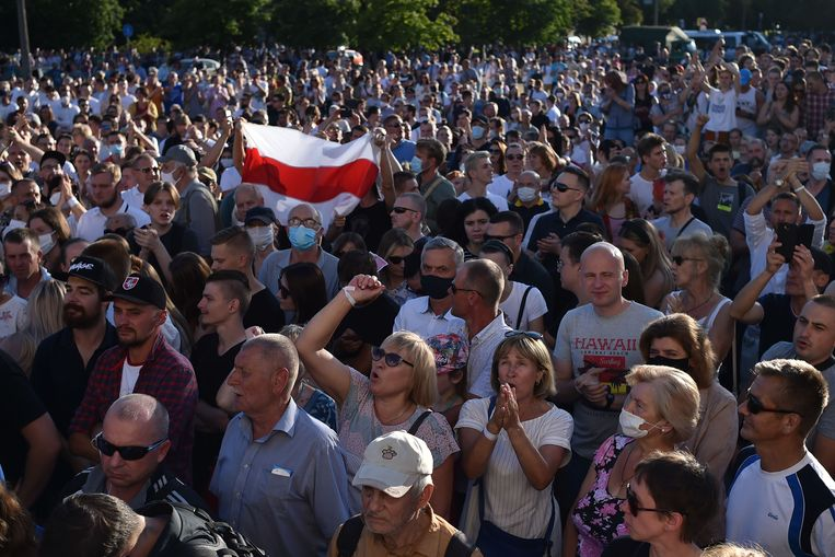In Minsk en andere steden wordt al wekenlang gedemonstreerd tegen het regime van de autocraat.  Beeld AFP