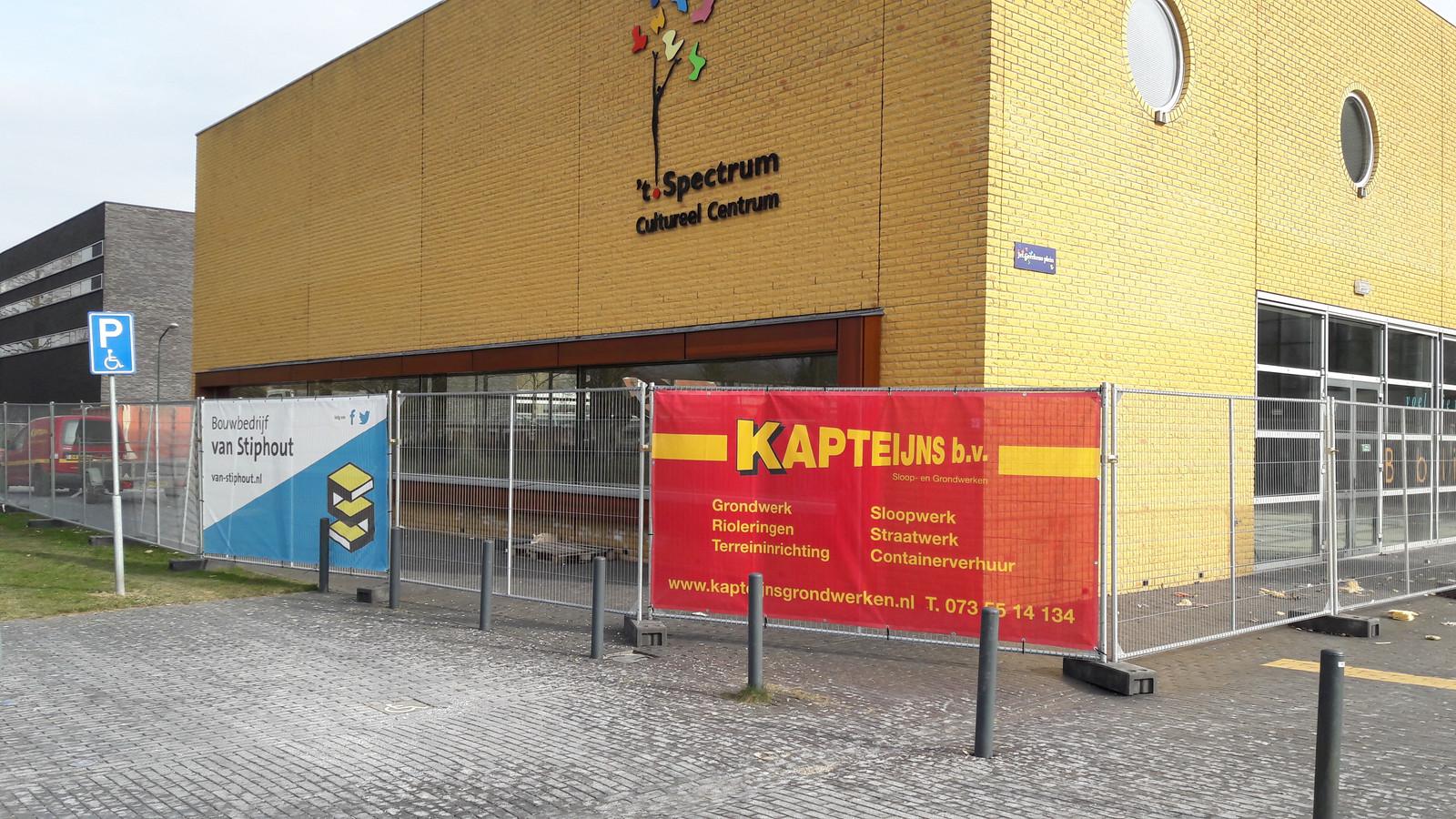 De verbouwing van 't Spectrum in Schijndel is begonnen voor de komst van een cultuurpodium.