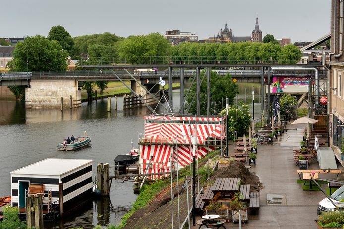 Het deel van de Bossche Stadsdelta. De Diezeburg moet worden afgebroken en moet plaats maken voor een lage brug ín het gebied.