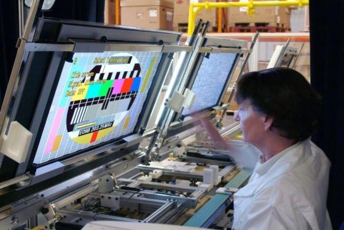 Maken tv-producenten kartelafspraken? De Europese Commissie heeft dat in onderzoek. foto Philips