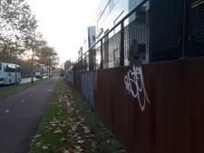Tags van Rasie lopen als een speurtocht door Middelburg