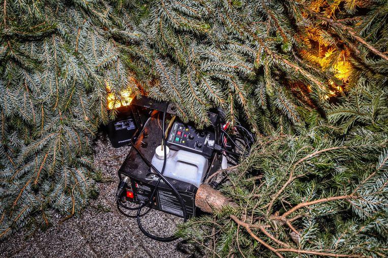 Geen kerstboomverbranding? plaats dan gewoon een rookmachine.