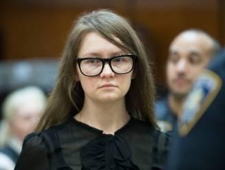 """""""Meesteroplichtster Anna Sorokin die New Yorkse jetset bedroog met miljonairsleven, wordt VS uitgezet"""""""