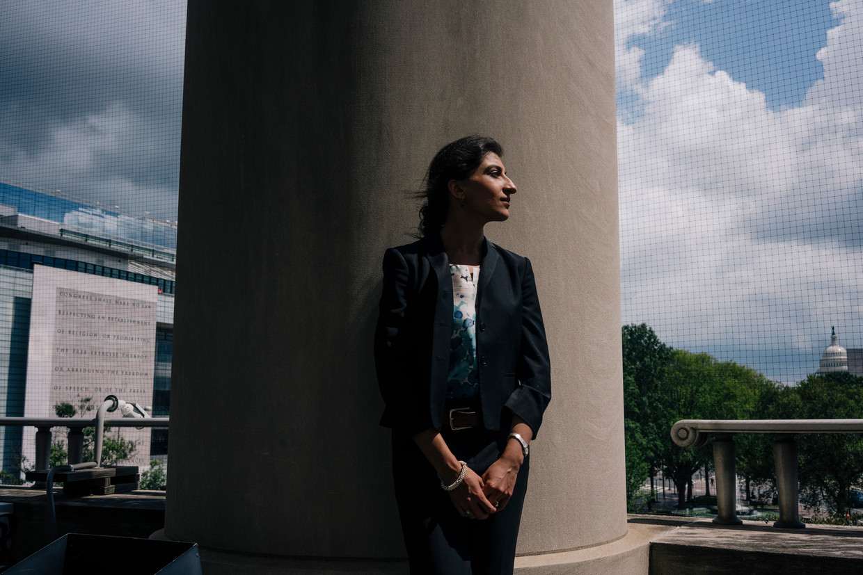 Lina Khan, 'antitrust-hipster'.  Beeld The New York Times / ANP