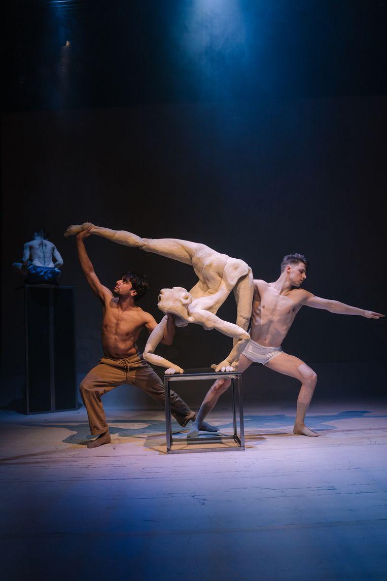 Zino Snel en Conni Trommlitz in Sonatinas 4 Feet van Duda Paiva Company en Fractal Collective i.s.m. Korzo Beeld Sjoerd Derine