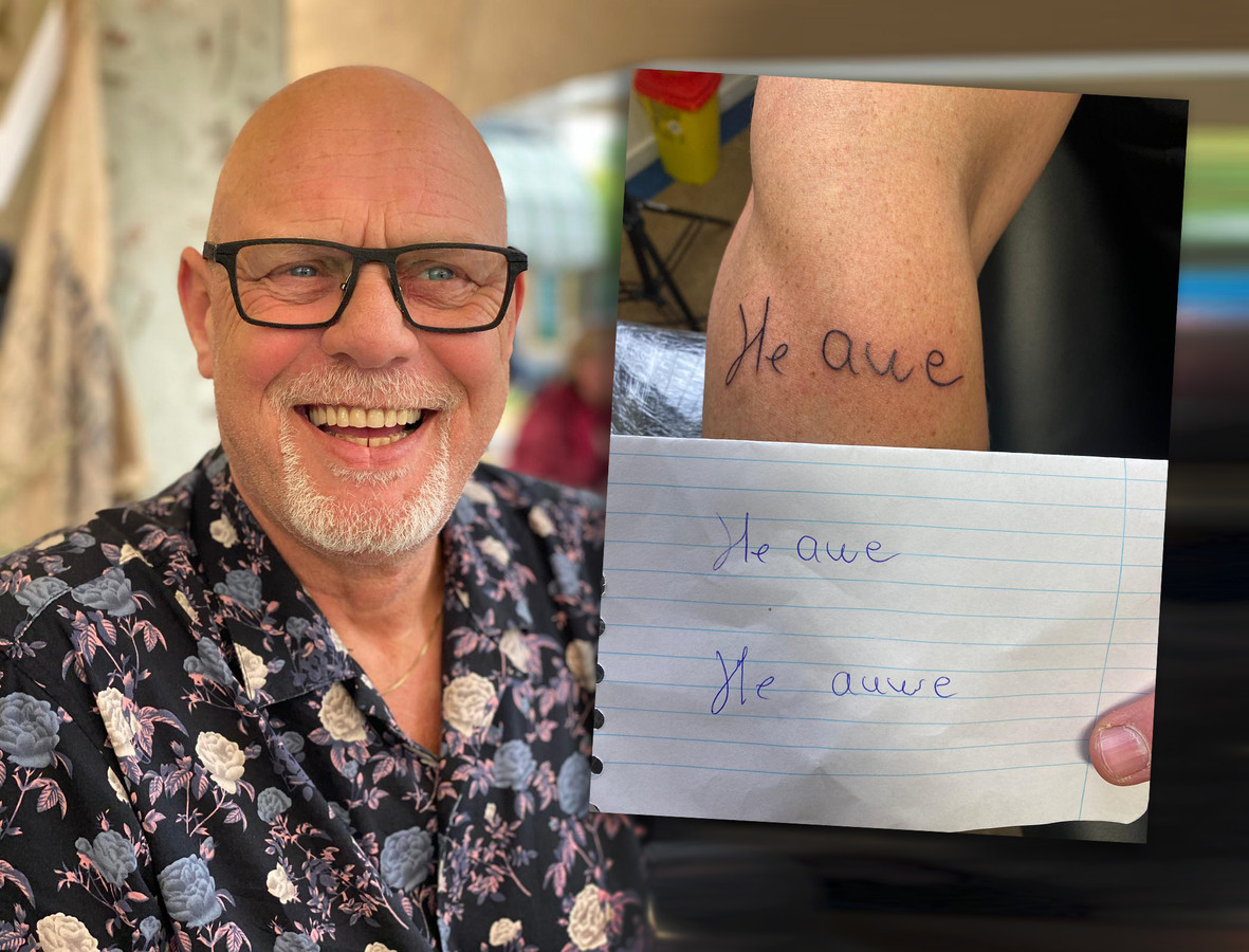 René van Holten. Zijn handschrift - en dyslexie - zijn vereeuwigd op de arm van zijn zoon.