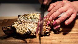 """Gouden steak nu ook in Vlaanderen én aan 'spotprijsje': """"Laten we wel wezen: je proeft daar niets van"""""""