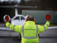 Hal voor businessjets en restaurant op Twente Airport