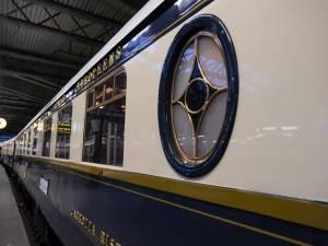 """IN BEELD. Orient Express stoomt twee keer door ons land deze week: """"Historische stoomtrein blijft tot de verbeelding spreken"""""""