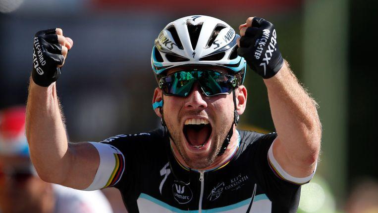 Mark Cavendish viert zijn etappe-overwinning in de Tour de France, eerder dit jaar. Beeld reuters