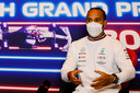 Lewis Hamilton op de persconferentie op Silverstone.