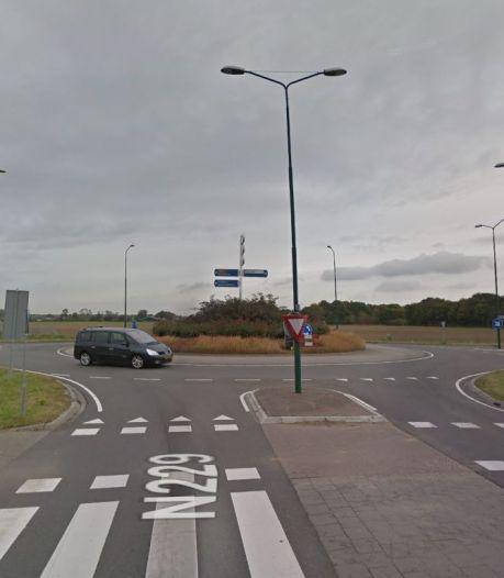 Knipperlichten moeten rotonde De Geer in Wijk bij Duurstede veiliger maken voor fietsers