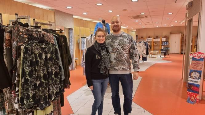 """BINNENKIJKEN. Joeri (36) en Lindsay (32) openen Liebe's Boetiek in legendarisch Dem's-gebouw: """"Authenticiteit bewaard maar wel volledig naar onze smaak ingericht"""""""