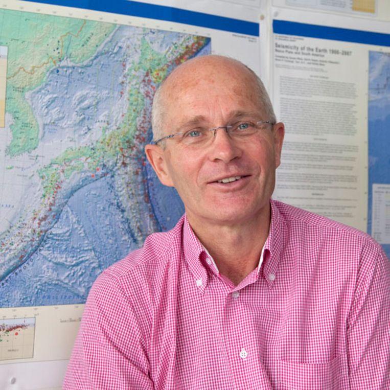 Vulkaanexpert Rob Govers: 'Een vulkaanuitbarsting kan op lange termijn enorme consequenties hebben'. Beeld Foto: privébezit