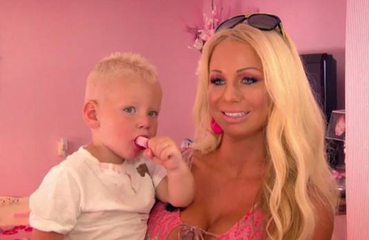 Barbie met zoon Milano.