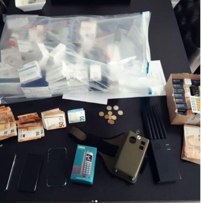 De politie stuitte op een 'halve apotheek aan medicatie'