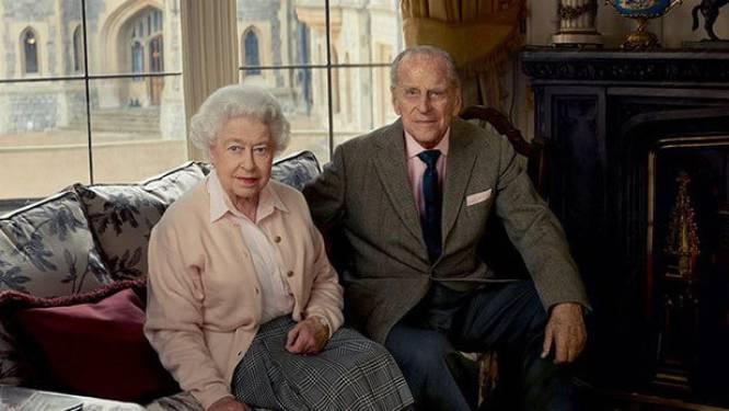 """Britse Queen Elizabeth en prins Philip krijgen coronavaccin """"binnen paar weken"""""""