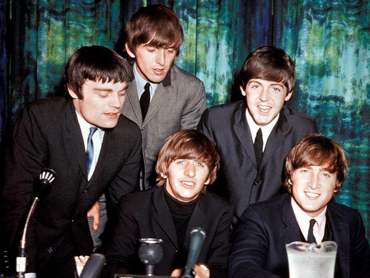 Australië, 1964: verloren Beatle Jimmie Nicol (l) met naast hem George Harrison, Ringo Starr, Paul McCartney en John Lennon. Beeld rv not use