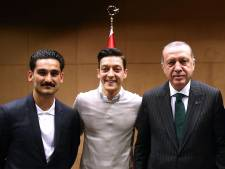 DFB-baas wil dat Özil zich uitspreekt over Erdogan