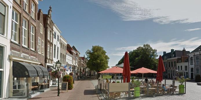 Het Havenplein in Zierikzee, met links de locatie van het huidige hotel-restaurant Hector