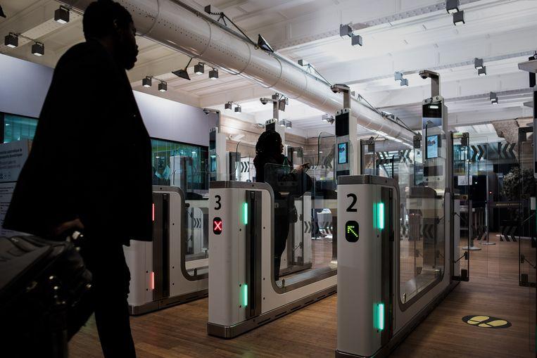 Op naar de Eurostar Parijs-Londen. Verwacht striktere controles bij een 'no deal'. Beeld AFP