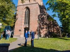 De toren staat weer stevig op de Andrieskerk in Amerongen