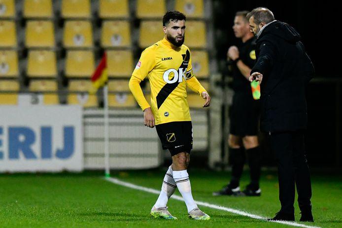 Speler Mounir El Allouchi en trainer Maurice Steijn werden zwaar getroffen door het virus.