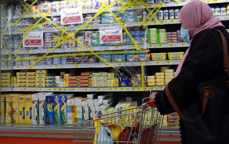 Een supermarkt in de Jordaanse hoofdstad Amman verkoopt tijdelijk geen Franse producten meer.  Beeld AFP