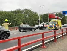 Twee botsingen op Sloebrug Vlissingen; één persoon bekneld