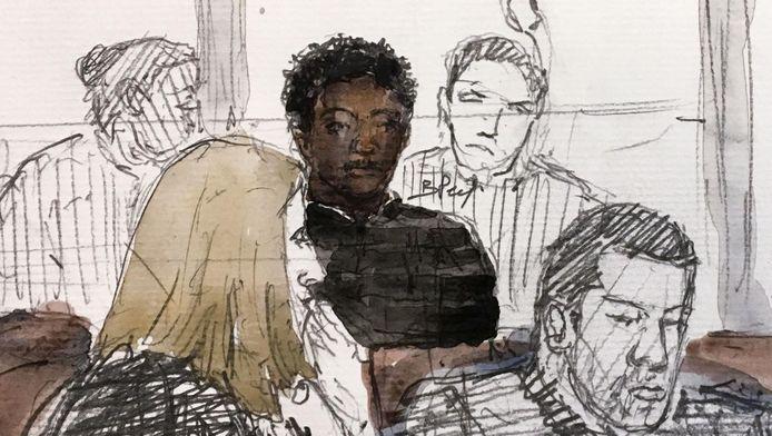 Le 24 avril dernier, une fille de 11 ans suit un homme de 28 ans, qui l'a déjà abordée à deux reprises dans le passé, jusqu'à son appartement, où ils ont une relation sexuelle.