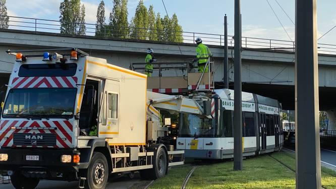 Bovenleiding tramlijn 8 kapot op Ruggeveldlaan: geen tramverkeer en hinder voor doorgaand verkeer