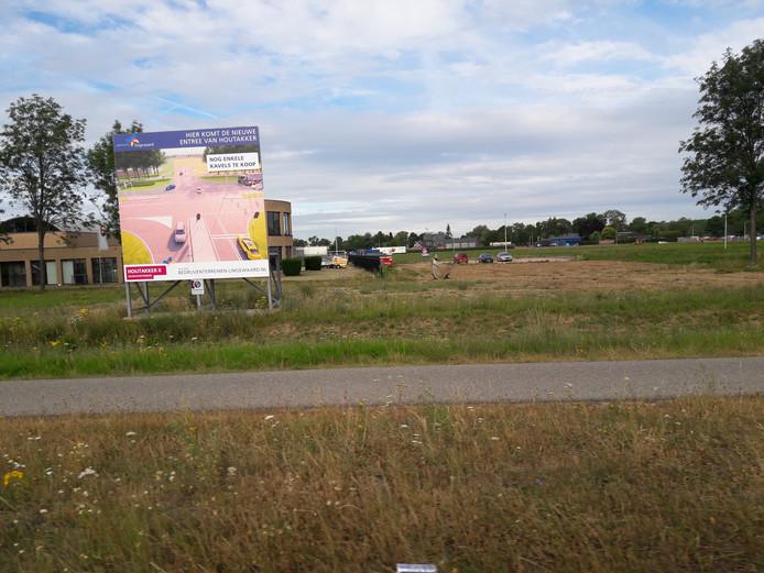 Bedrijventerrein De Houtakker in Bemmel, gezien vanaf de Van Elkweg (N839). Op deze plek komt de nieuwe ontsluitingsweg.