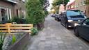 De recherche is vrijdagavond met veel onopvallende voertuigen en agenten in burger in actie gekomen rond een woning aan de Abel Tasmanstraat in Zwolle.