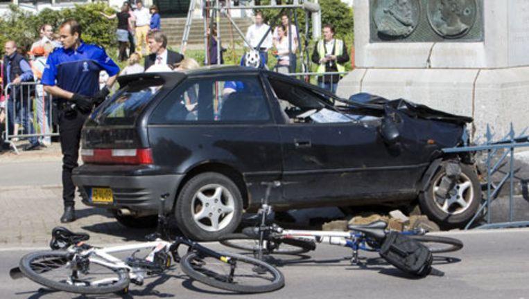 De zwarte Suzuki Swift waarmee Karst T. de aanslag pleegde tijdens Koninginnedag 2009. Beeld