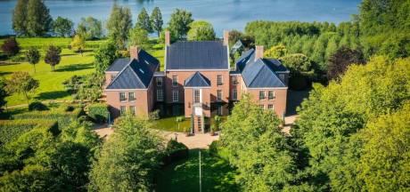 'Laat Sywert van Lienden het kasteel van 5,2 miljoen euro kopen voor doodzieke kinderen'