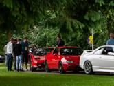 Bijzondere auto's naar zorginstelling in Voorst