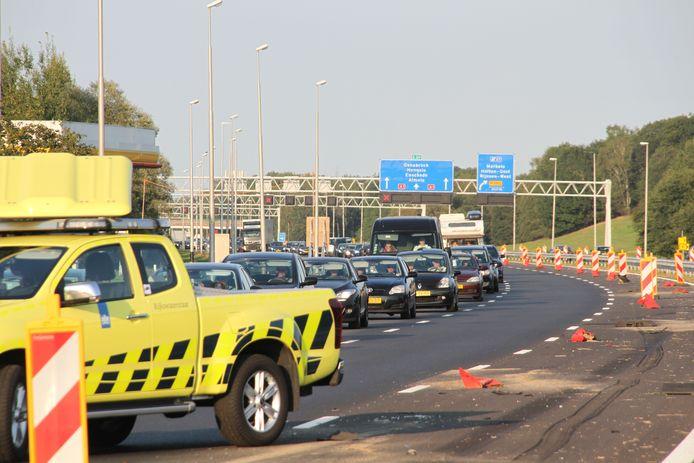 De hulpdiensten zijn gealarmeerd voor een ongeval op de A1.