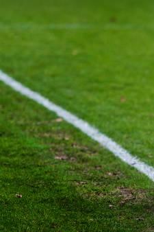 Speler Haagse club na vechtpartij Deltasport: 'Er werd met bier en stoelen naar ons gegooid'
