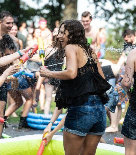 Een show in plaats van een festival tijdens de 'intro' voor eerstejaars studenten Radboud Universiteit
