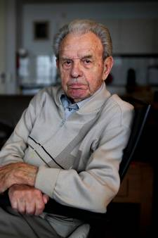 Piet (97) wil geen 'middel X' maar een humane dodelijke pil
