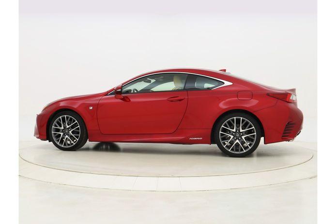 Een Lexus van hetzelfde type als de auto die door Mark de J. werd meegenomen zonder te betalen.