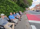 Deze bewoners van de Pottelberg konden verpozen op een stoel net buiten de perimeter.