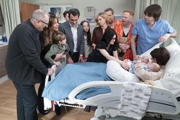 Een blijde gebeurtenis in het slotseizoen van 'Modern Family'. Beeld ABC