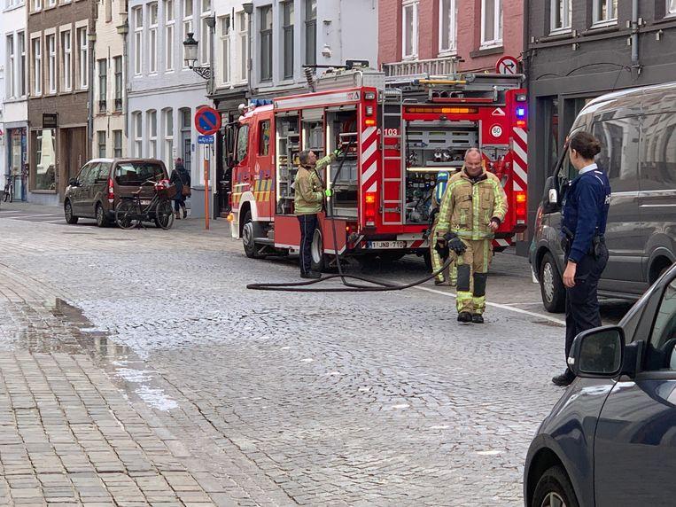 De brandweer kwam ter plaatse richting Ezelstraat