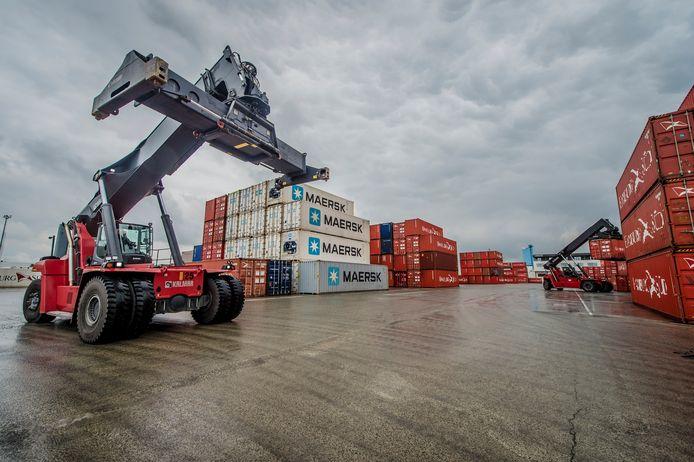Containerverkeer in de haven van Antwerpen. Beeld ter illustratie.